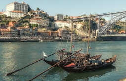 SELF GUIDED TOUR DE MOTO PORTO - DOUROTAL